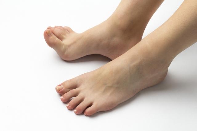 年齢は関係無い!足の臭い(ニオイ)の原因と対策